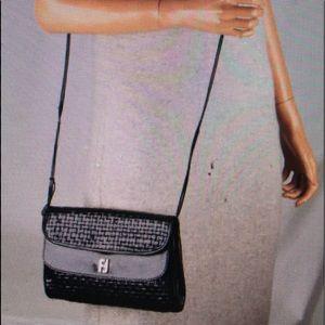 Vintage Fendi double flap Woven Shoulder Bag 💼